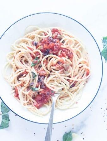 bowl of spaghetti puttanesca
