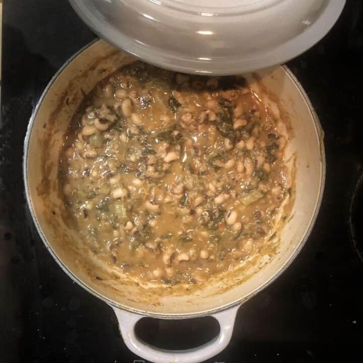 pot of blackeye peas on stove